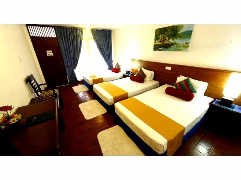 Catamaran Beach Hotel Negombo